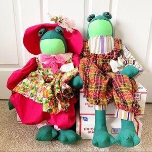 Frog Couple Dressed Up Plush Shelf Sitters